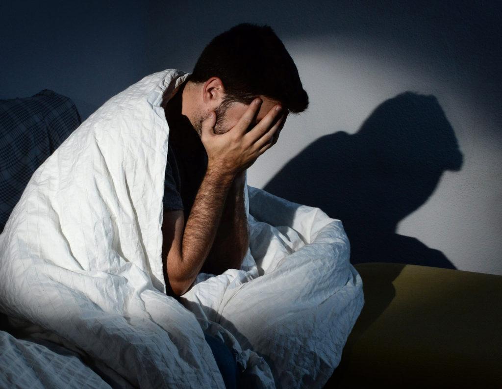 Бессонница: симптомы и натуральные средства для лечения нарушения сна