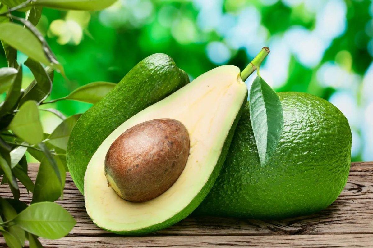 Польза для здоровья авокадо и рецепт гуакамоле.