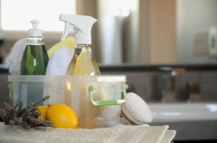 Как сделать свои собственные натуральные чистящие средства