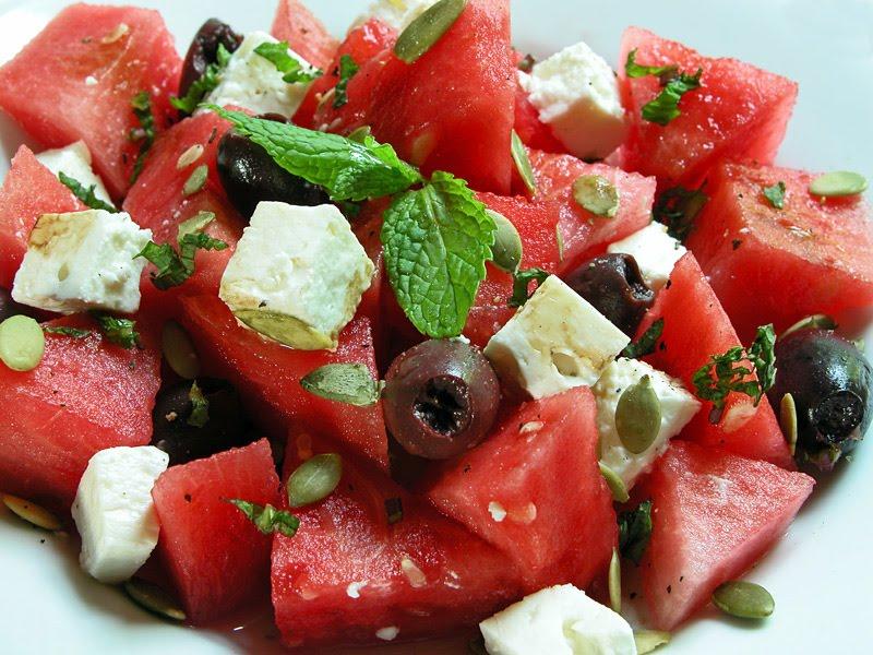Веганский арбузный салат: идеальный рецепт для лета