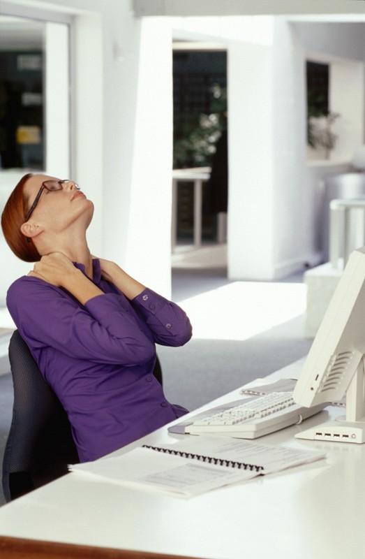Как защитить свой позвоночник на работе