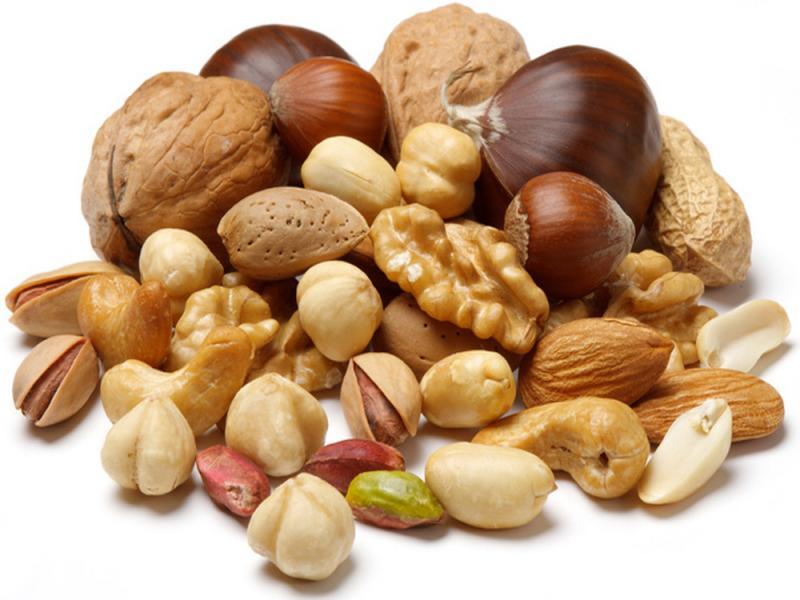 Орехи и абдоминальное ожирение, повышенный уровень сахара, высокое давление