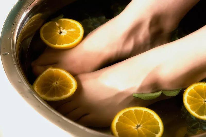 Сухая кожа на пятках и ногах: домашние средства лечения.