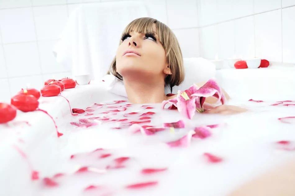 Ванна с молоком и медом-4 удивительных преимущества.